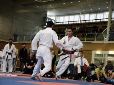 Karate für Erwachsene und Jugendliche