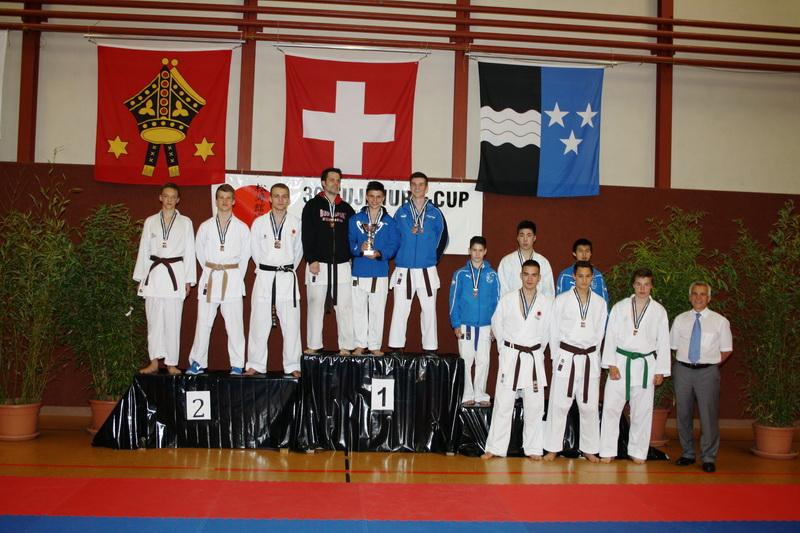 Sieger_Team_Kumite-2012.jpg